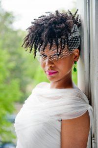 coiffure mariage afro boucles enroulées