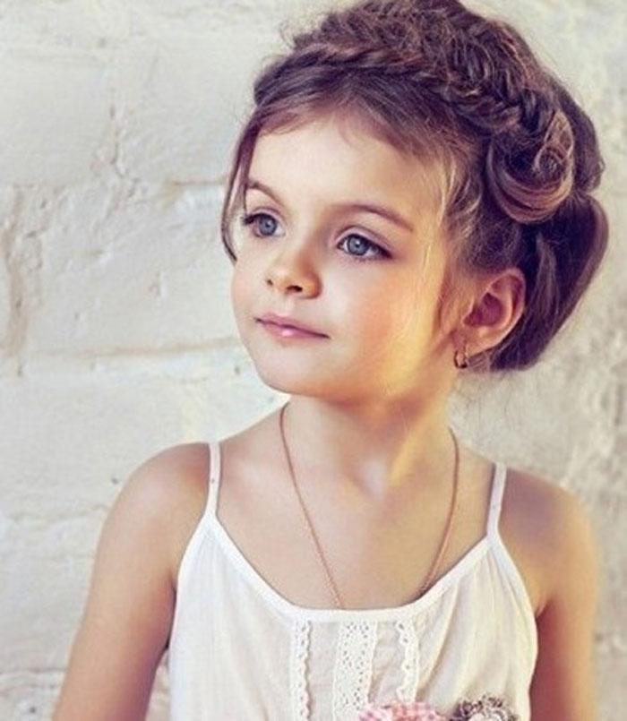 coiffure mariage enfant petite fille cheveux courts